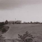 昭和30年頃の6番ホール(当時)と倶楽部ハウス